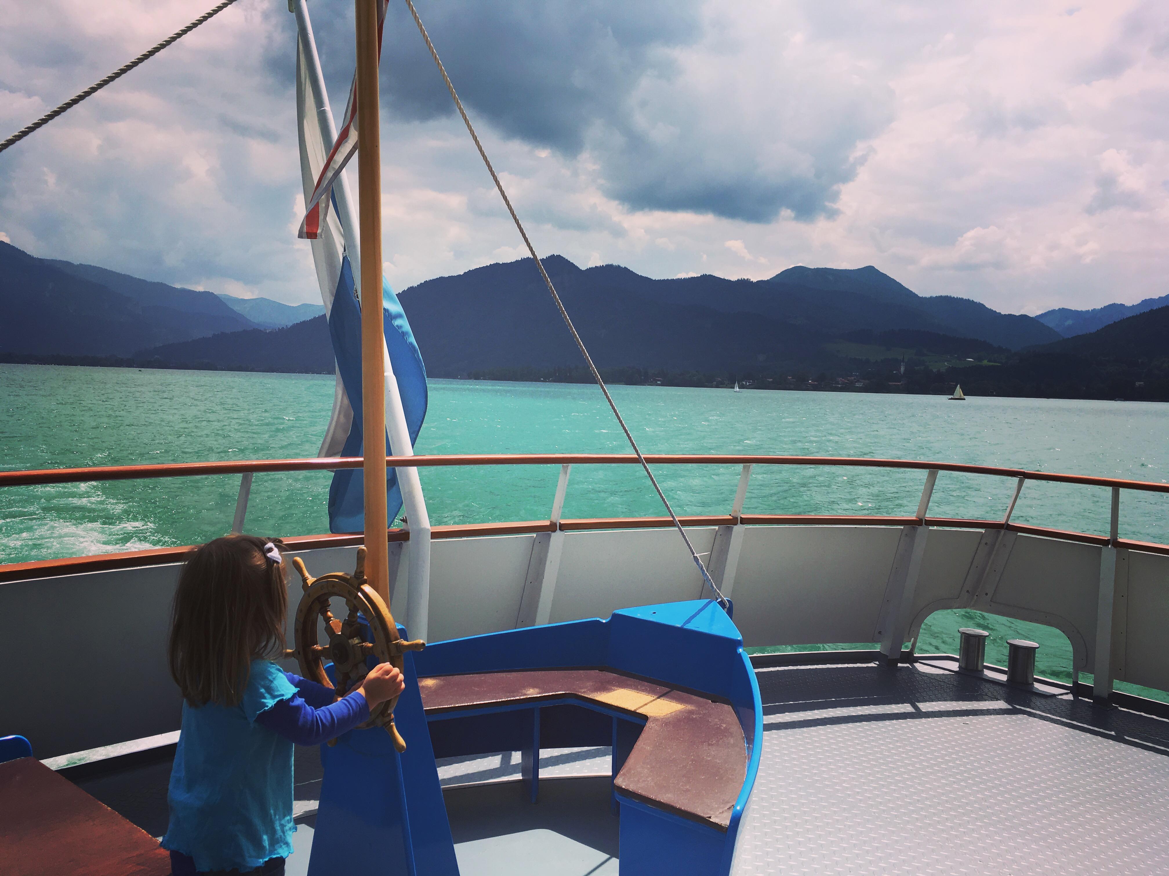 Am Tegernsee wandern mit Kindern in Bayern mit Schifffahrt